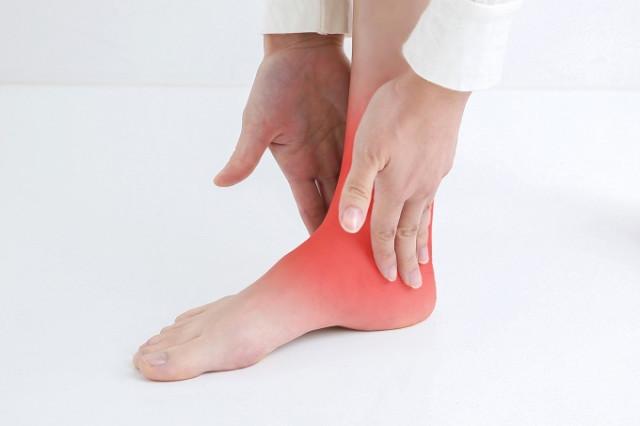 動かすと痛い「捻挫の痛み」とはいったいなんでしょう?